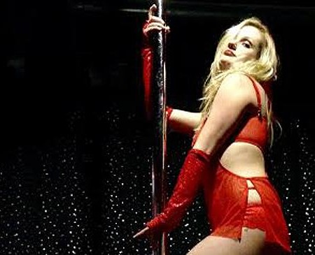 From Pole Dancing to Proposals: Valentine's Day Events Around Boston
