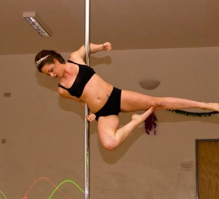 Pole instructor slammed by child psychologist for offering classes to ages 8+