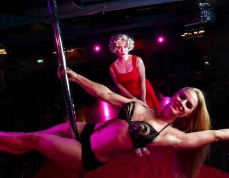 Pole dancer adds va-va-voom as strip club gives opera a fresh twist