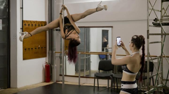 Pole dancers face tough routine… and prejudices