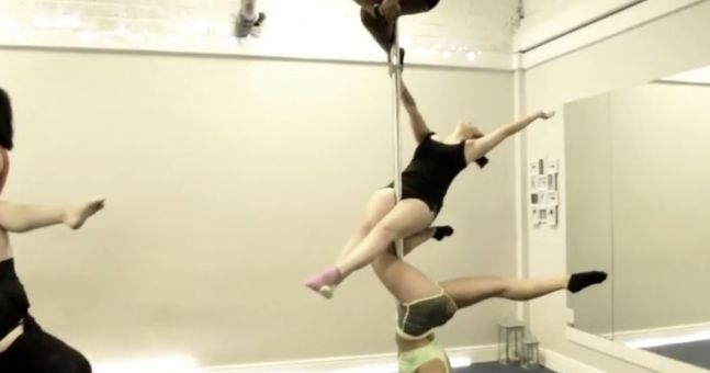 This Irish pole dancing mannequin challenge required some serious strength