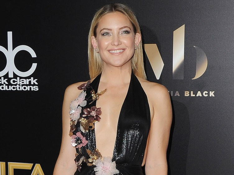 Kate Hudson Celebrated Her Weekend With An Epic Pole Dancing Workout