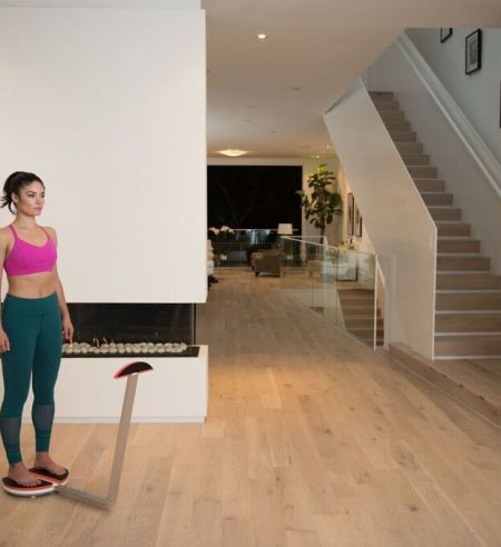 ShapeScale visualizes your body fitness with its simple 3D body scans