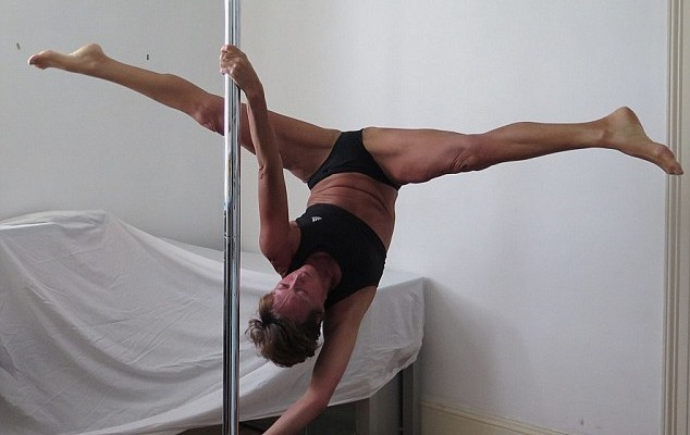 Mother-of-two quits her high-flying job to become a professional pole dancer