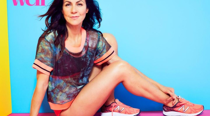 Julia Bradbury shows off her incredible abs; credits pole dancing