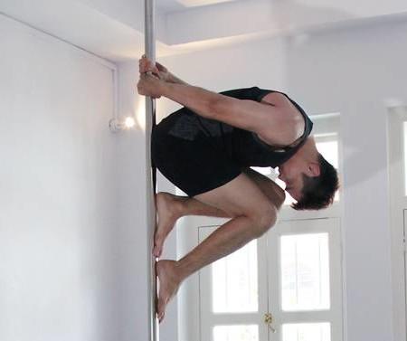 Breaking down barriers: Singapore's pole dancing men