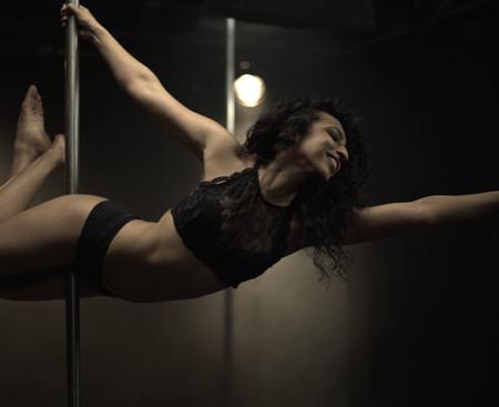 Meet India's First Muslim Pole Dancer Aarifa Bhinderwala, A Story to Unravel